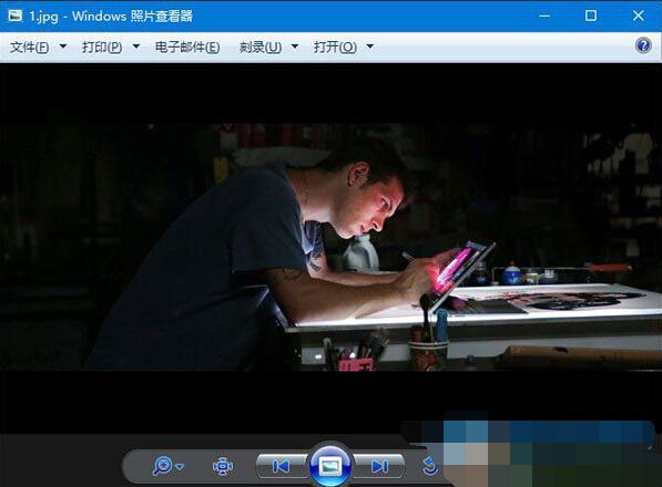 Win10系统照片查看器背景颜色怎么修改的解决要领